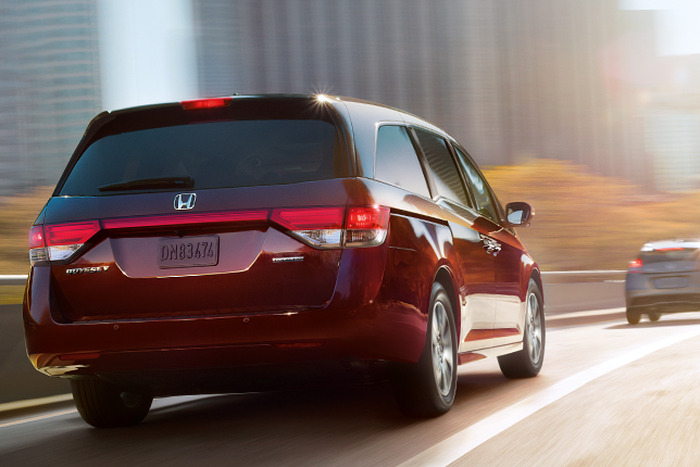 2014 honda odyssey touring elite review